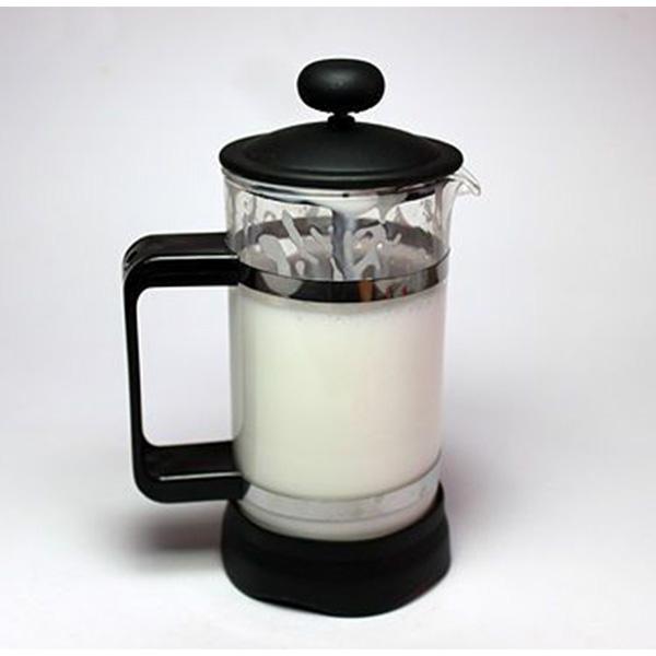 تهیه فوم شیر با فرنچ پرس