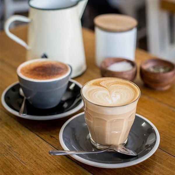 کاپوچینو و قهوه لاته