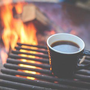 تهیه قهوه روی آتش